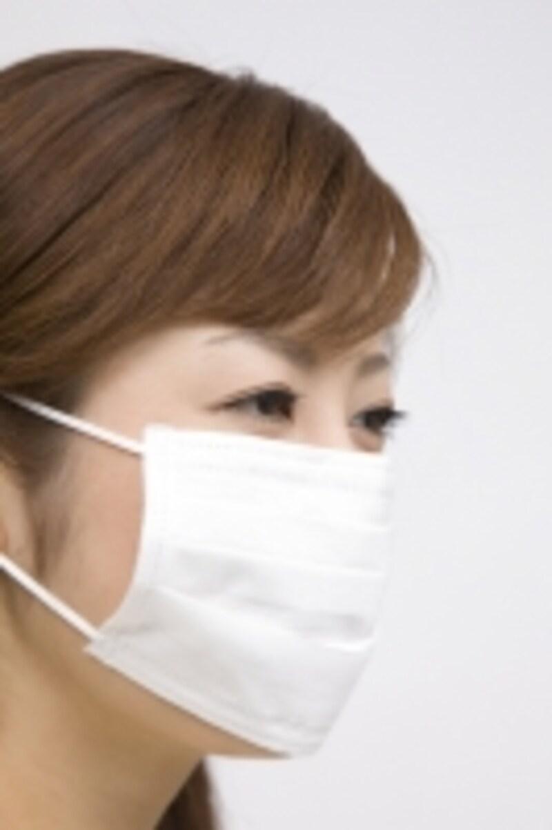 年末年始から春にかけては病気予防や花粉症対策の為マスク姿の方が多くなる季節です