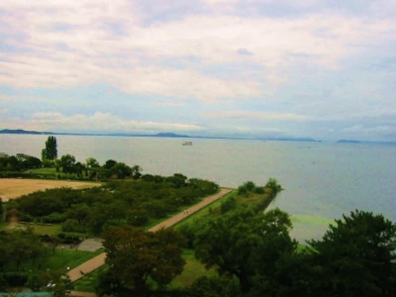 美しい湖北の風景を一望できます