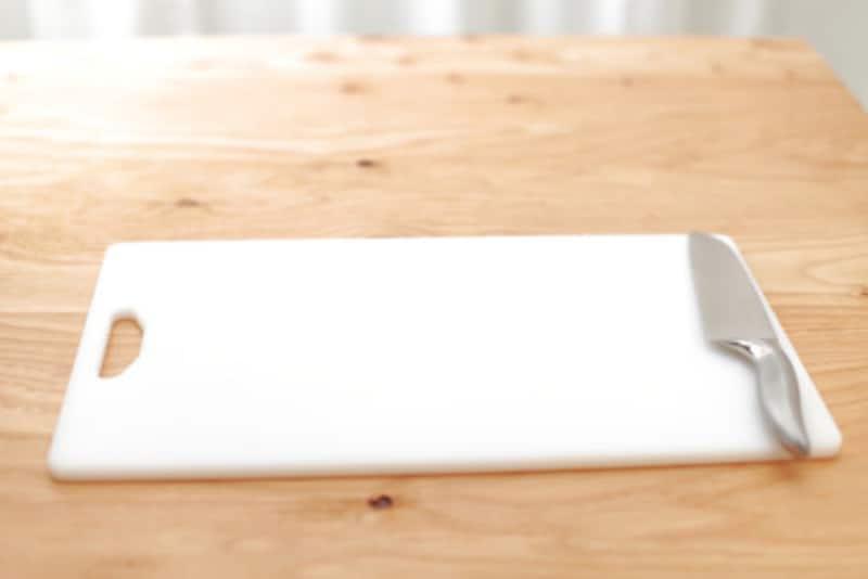 包丁やまな板には目に見えない細菌が
