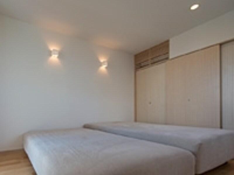 寝室のブラケット照明例