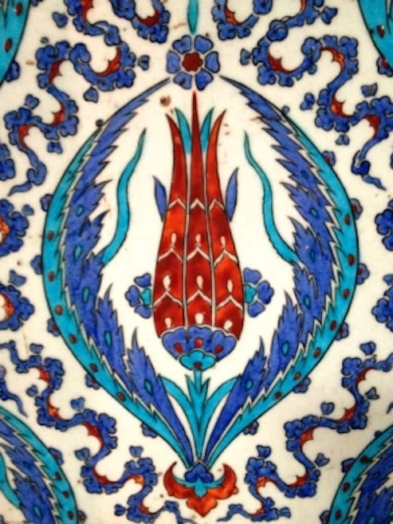 リュステムパシャモスクのチューリップタイル