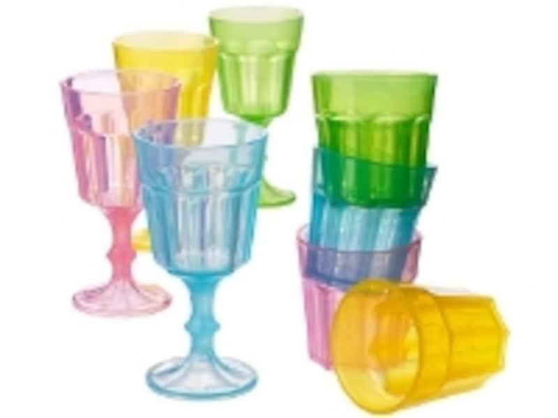 「DUKTIGundefinedグラス(499円)」はプラスチック製。ミネラルウォーターやジュースを入れても安全