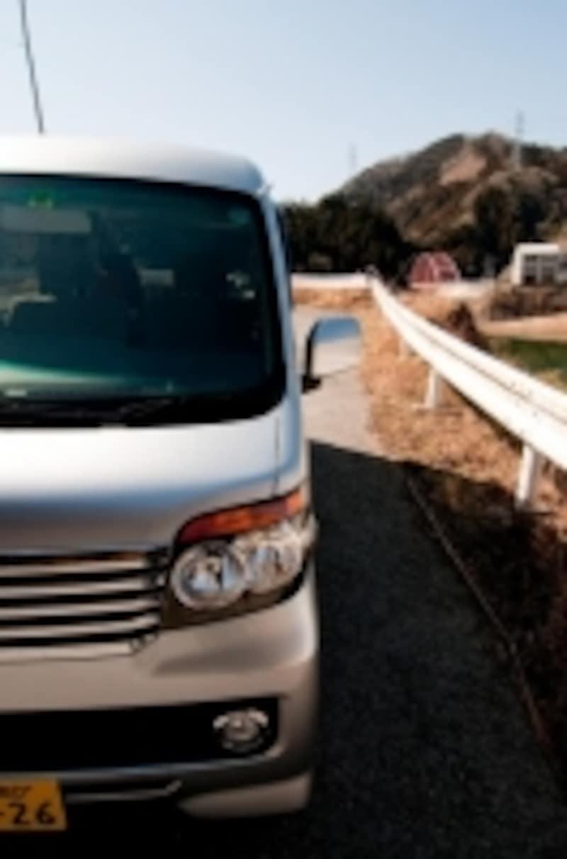 普通自動車、小型自動車は車を変えれば保険料も少なからず変わります。しかし軽自動車は……!