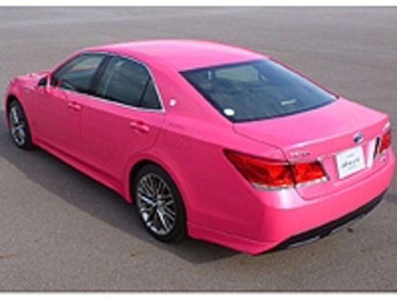ピンクは2013年末に発売予定の特別色