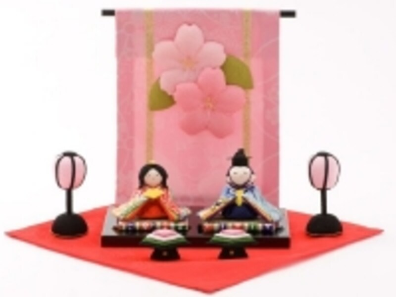 さらにコンパクトなお雛様とお内裏様の2体セット「花几帳わらべひな(5775円)」