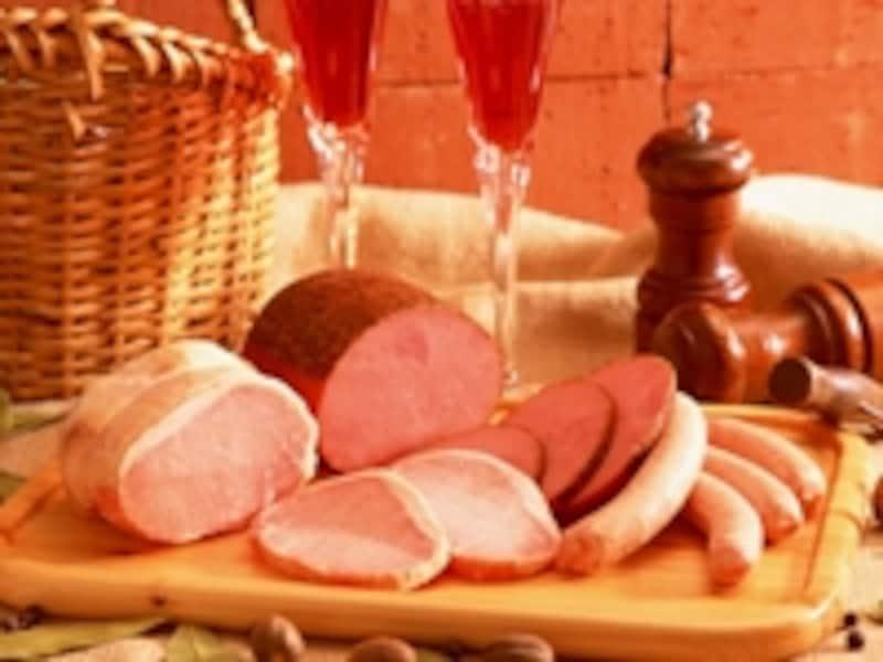 手軽に燻製を楽しむ方法や燻味フレーバー食材に注目!