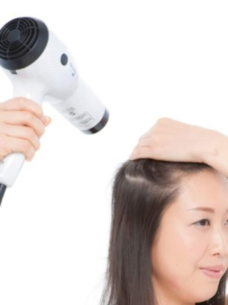 頭皮から乾かす