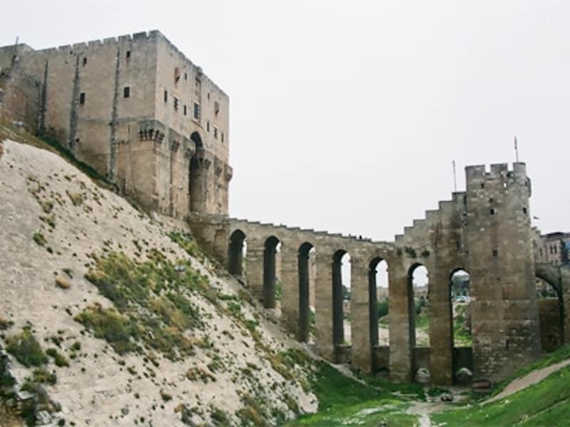 アレッポ城と石橋