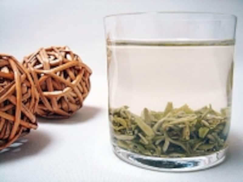 グラスで中国緑茶
