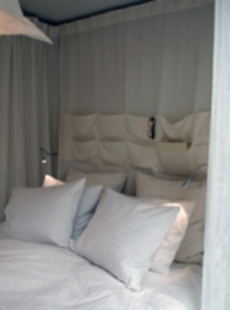 寝室インテリアとカーテン