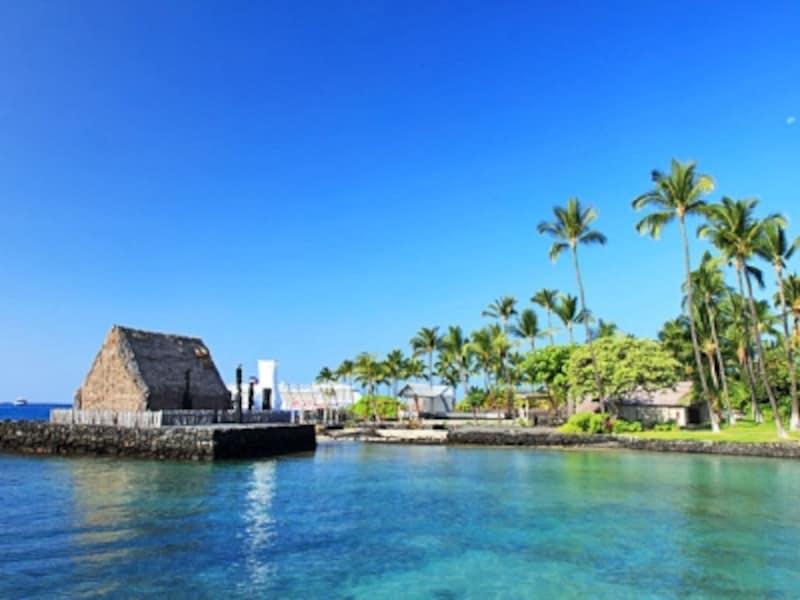 ハワイ島カイルア・コナには、大王が住んでいたと言われる草葺きの家が復元されている