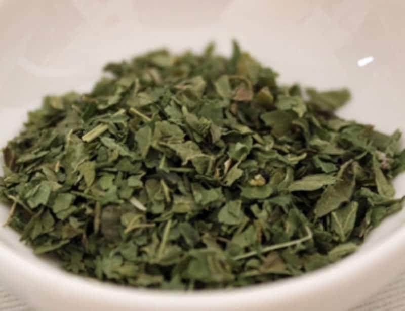 Nettle(ネトル)は、needle(針)に由来する英名。葉や茎にとげがあります