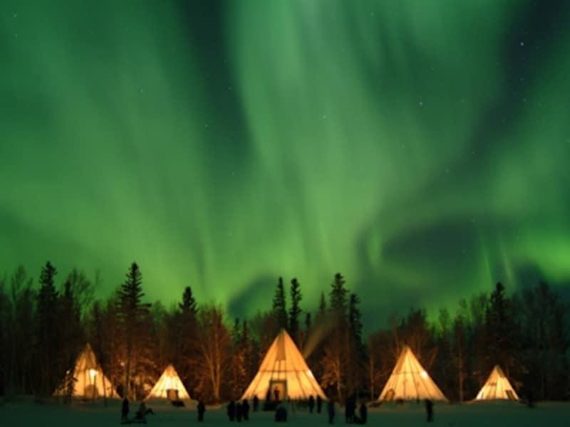 本当にスゴイオーロラはカーテン状ではない!空一面に広がるのがホンモノ(C)AuroraVillage