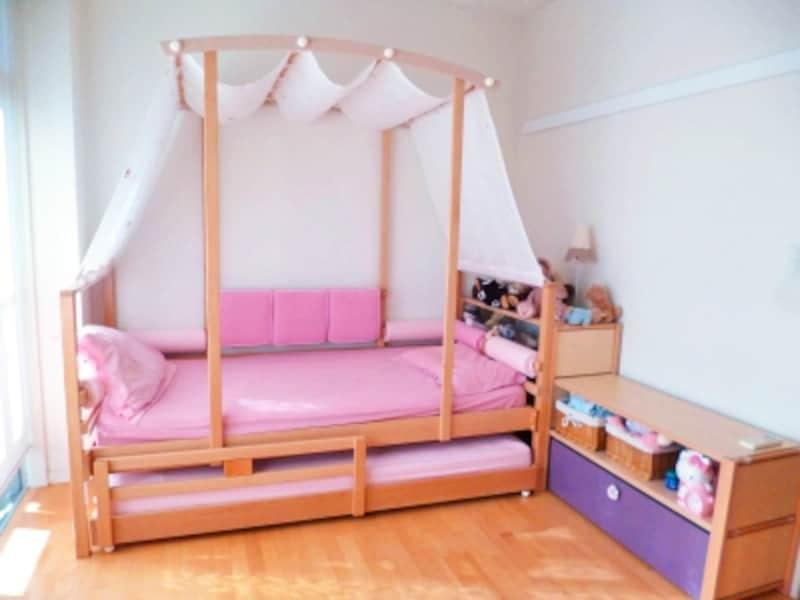 実例 2人の女の子のためのフレンチシックな子供部屋 インテリア