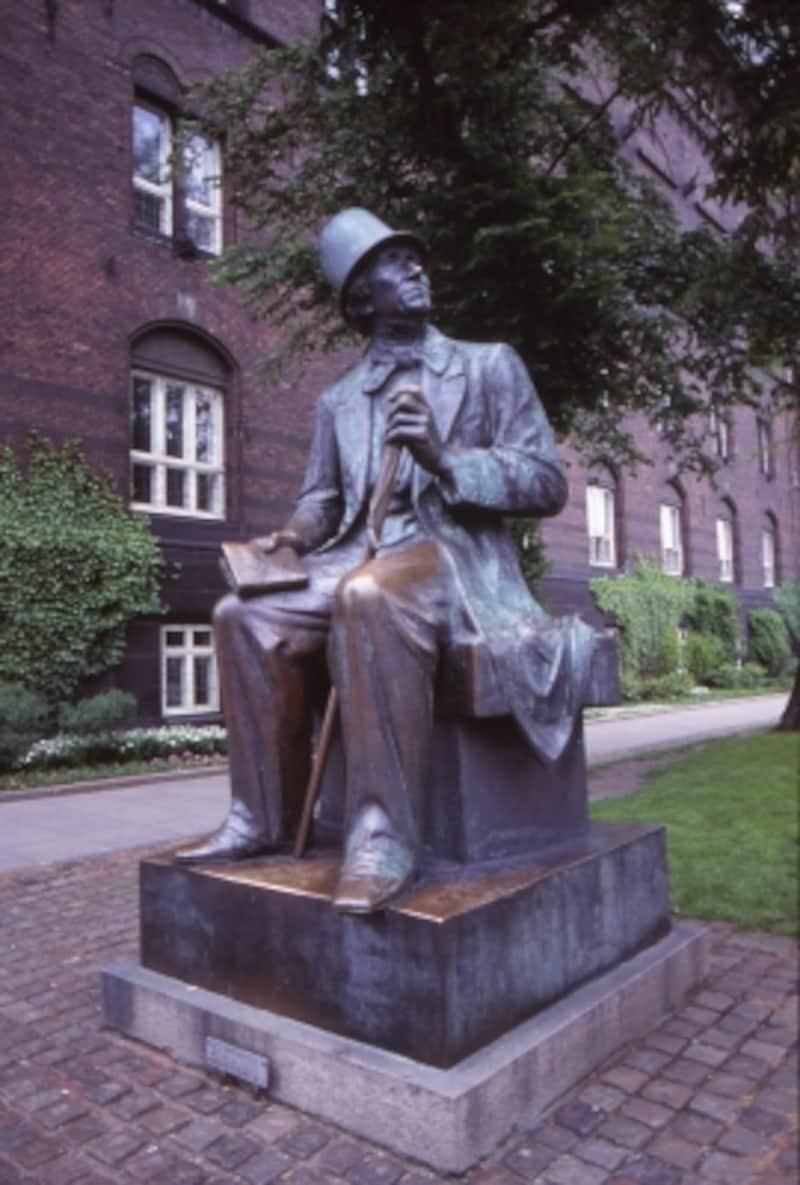 アンデルセンの像