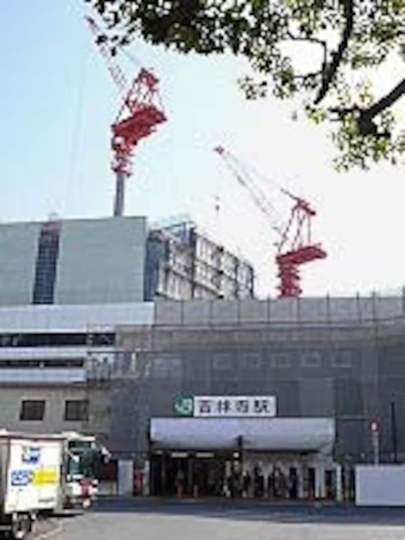 吉祥寺駅舎の工事中の写真