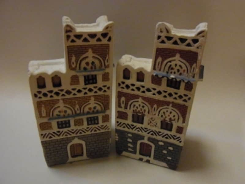 これはイエメンで買ってきた家のミニチュア。お土産との出会いは一期一会。大事にしたい
