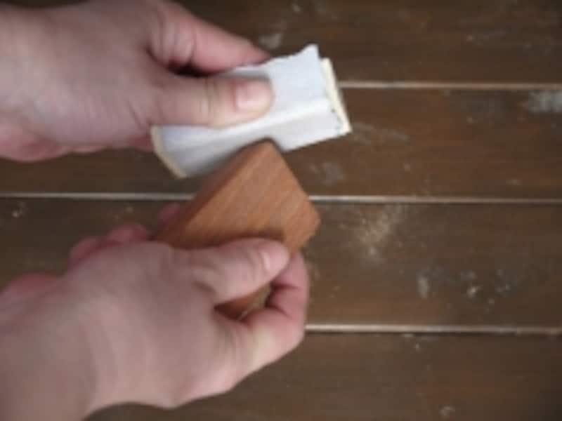 角を丸く削ります
