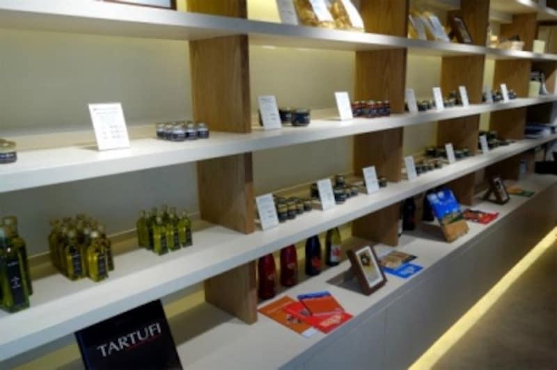 店内ではトリュフの製品がたくさん販売されています