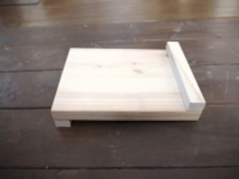 テーブルの上での作業台