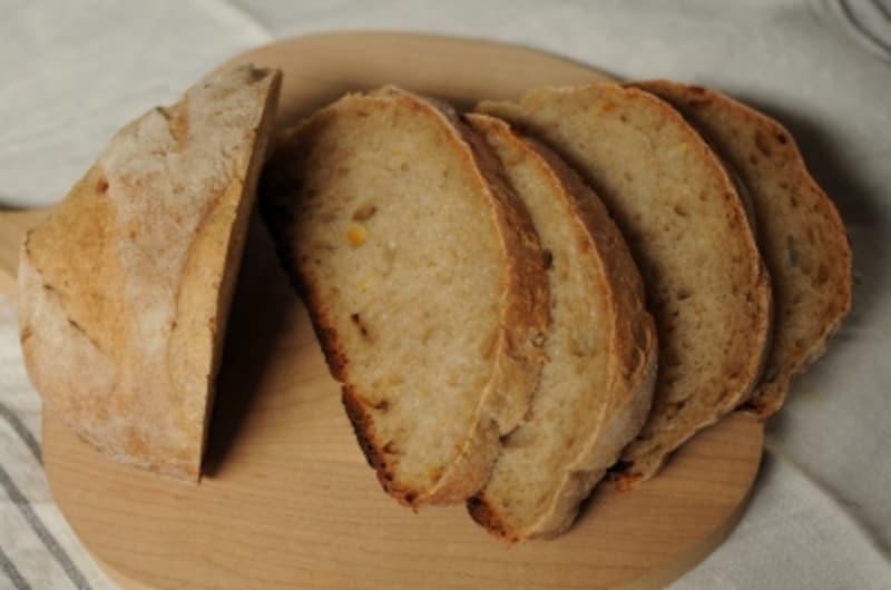 山のパンとオレンジピール断面