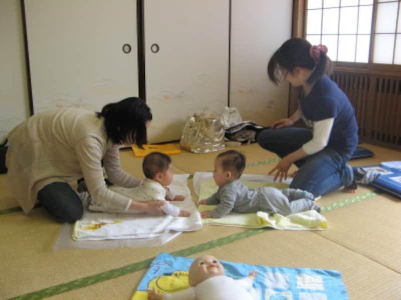 赤ちゃんを育てているという共通項で、心の距離がグッと近づくもの