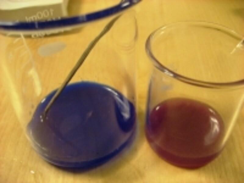 グリセリン半分の量に天然色素を混ぜて溶かしておくと色むらが出来にくいです