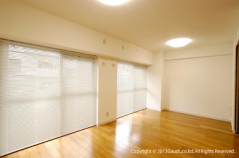 ブラインドはシンプルな空間づくりに最適