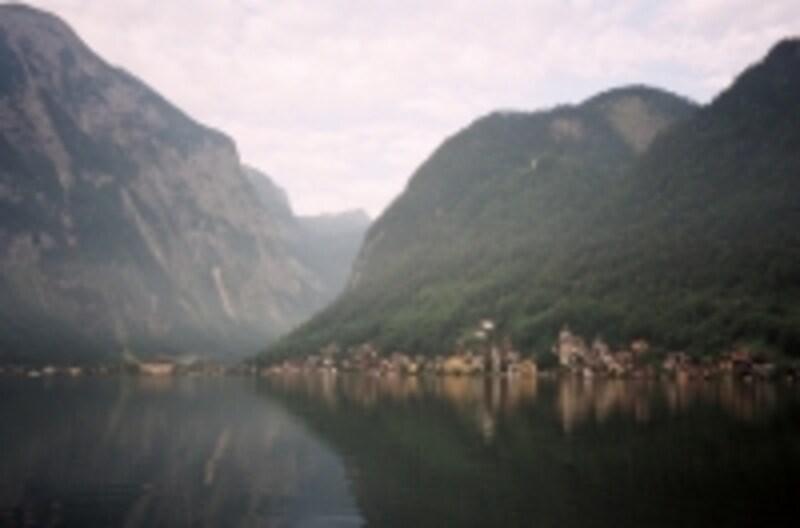 小船に揺られながら景色を楽しむ