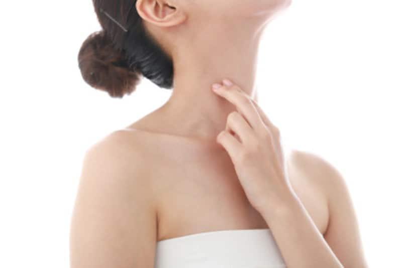 首の線・シワを消す方法