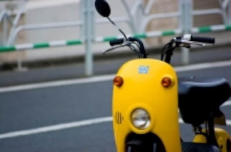 バイクは排気量、タイプや年式を問わずに自賠責保険に必ず加入します。強制保険と呼ばれるタイプの保険です