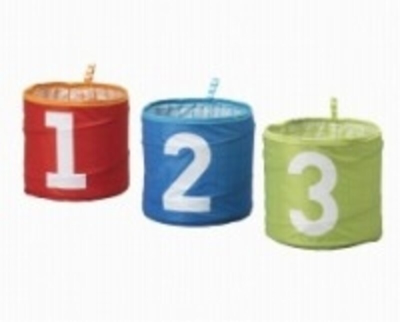 KUSINERの収納ボックスは丸型と角型がラインナップ。写真の丸型は3つで599円