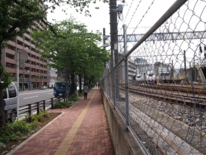 上野駅の入口はまだ先