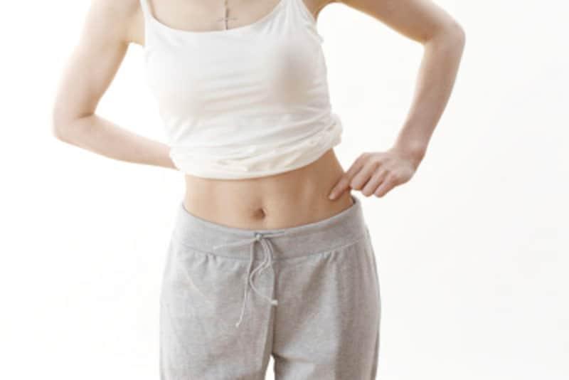うっすら縦線の腹筋エクササイズ