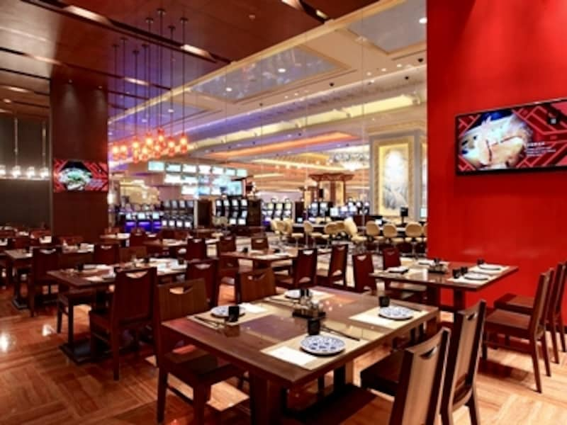 カジノフロアを見渡せる24時間営業のレストラン「ノース」(c)SandsCotaiCentral
