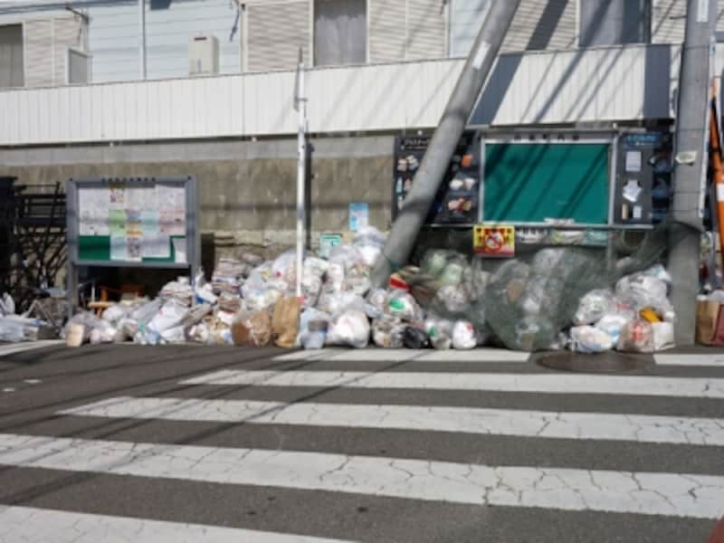 住宅街のゴミ集積場所