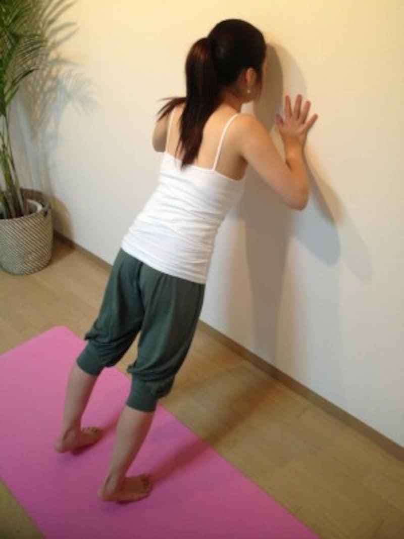 3.ゆっくりと肘を曲げていく