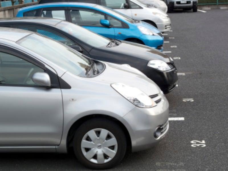 浮気の兆候を掴むテクニック4:自家用車の中をチェック