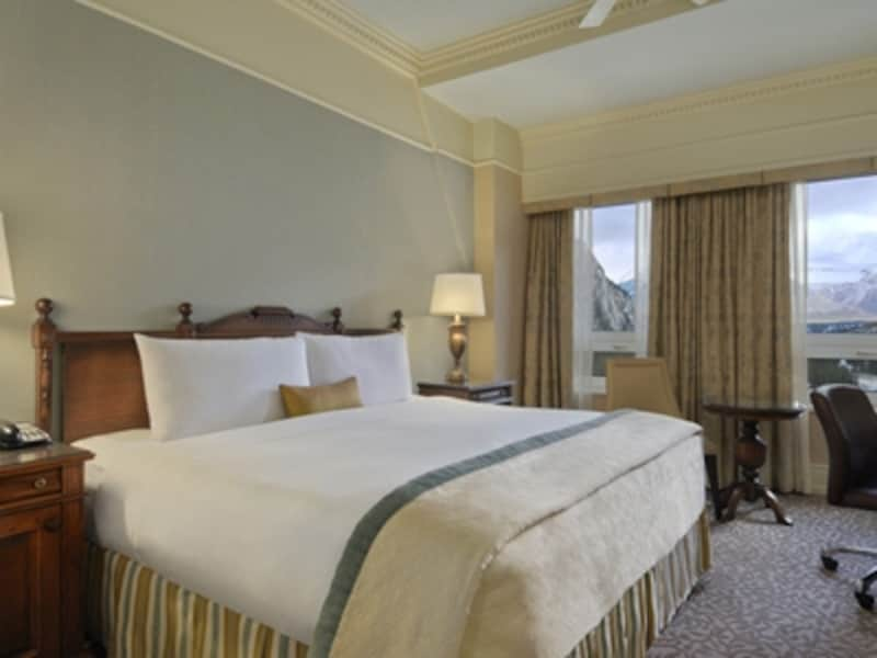 部屋はベッド1台が基本。夫婦やカップルでは、ベッド1台の部屋になるのが当たり前(C)FairmontHotelsandResorts