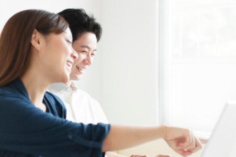 共働きなら夫婦共同でお財布を管理するのもいい。夫婦でお金のことを話し合う習慣が大切