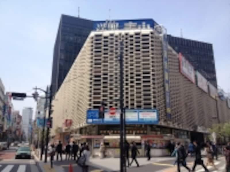 烏森口出てすぐのニュー新橋ビル