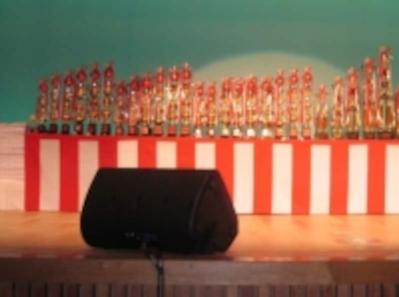 カラオケ大会ステージ
