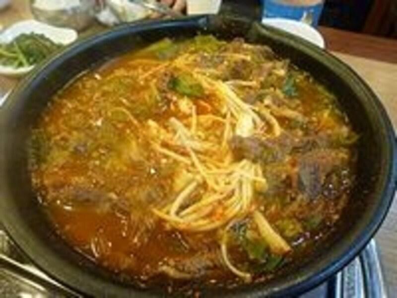 あつあつスープとごはんの組み合わせは食が進みます!