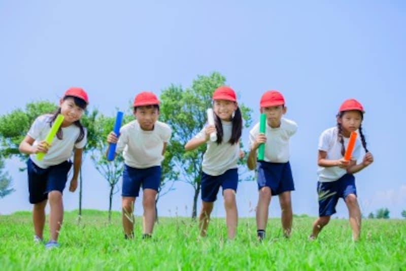 競争する小学生