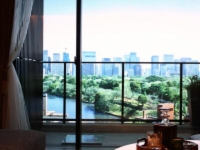「ザ・パークハウス三番町」最上階からの眺望イメージ写真とモデルルーム
