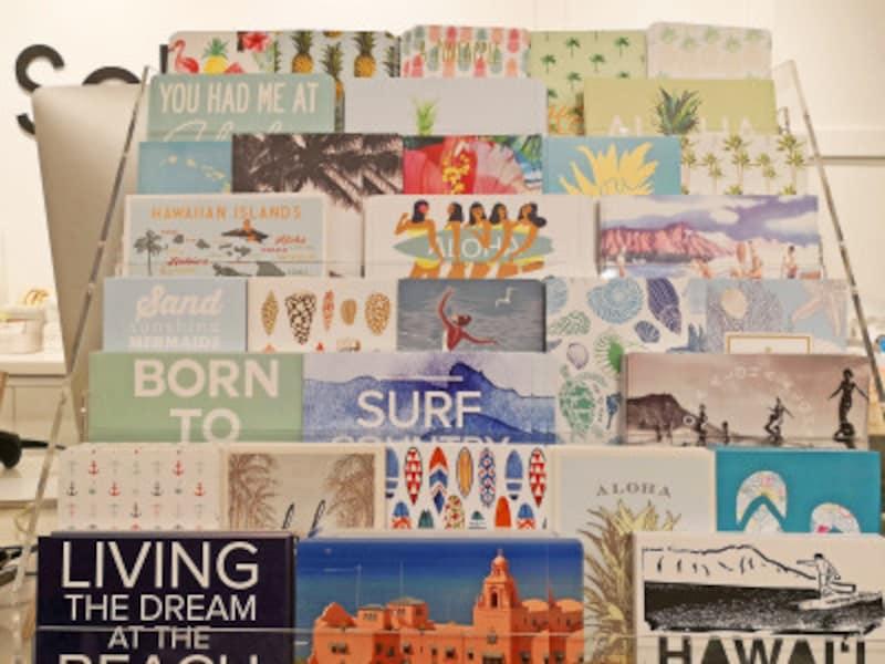 「SoHa」カハラモール店のレジ横にあったポストカード。店内にはまだまだカードがたくさん!