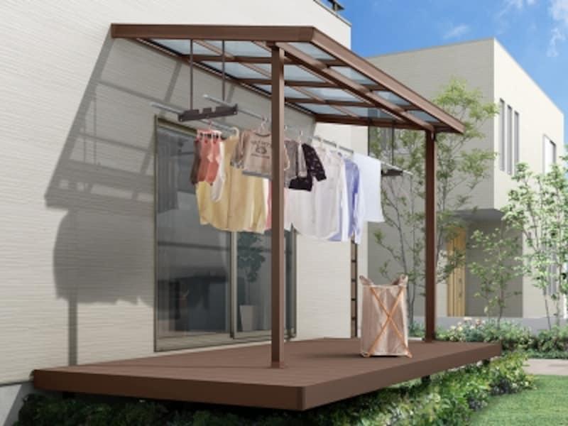テラス屋根を設けておけば、小雨程度であれば安心。すっきりと下デザインはどんな外観でも合わせやすい。[シュエット]undefinedLIXILundefinedhttp://www.lixil.co.jp/