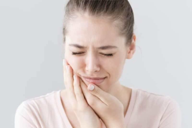 歯が痛くて噛めない、顔が腫れた