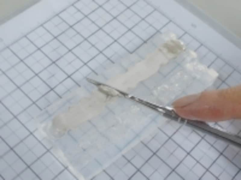 すり切った面が、リングの内側になります。