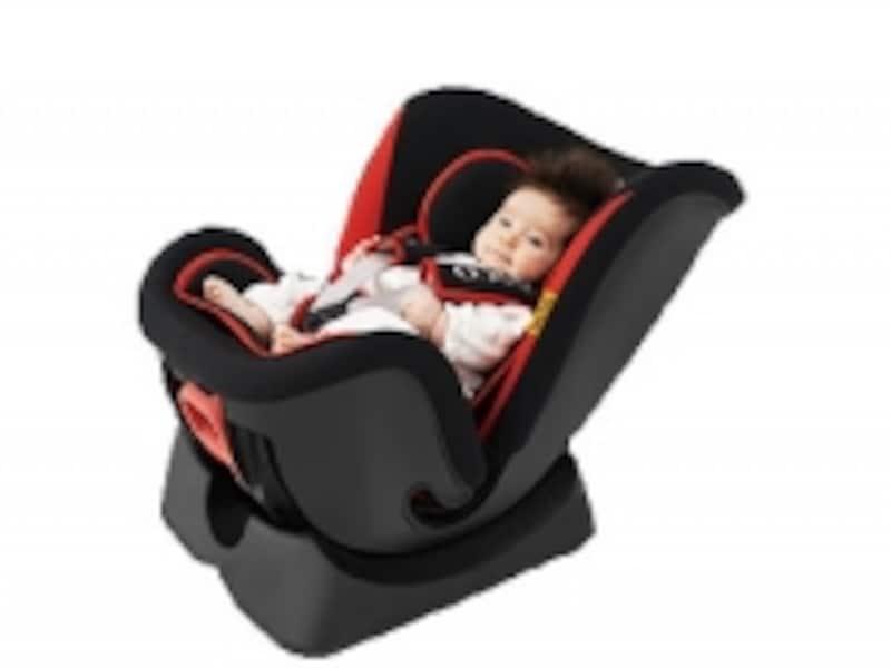 大きなリクライニングとインナークッションで、新生児から使用可能です。